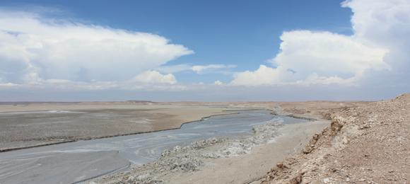 El relave minero de Talabre tienes 180 hectáreas. la superficie de este relave contaminante es tres veces el area urbana de la ciudad de Calama
